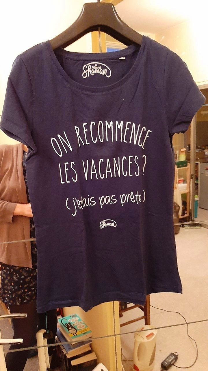 "T-shirt ""on recommence les vacances"" Taille M"
