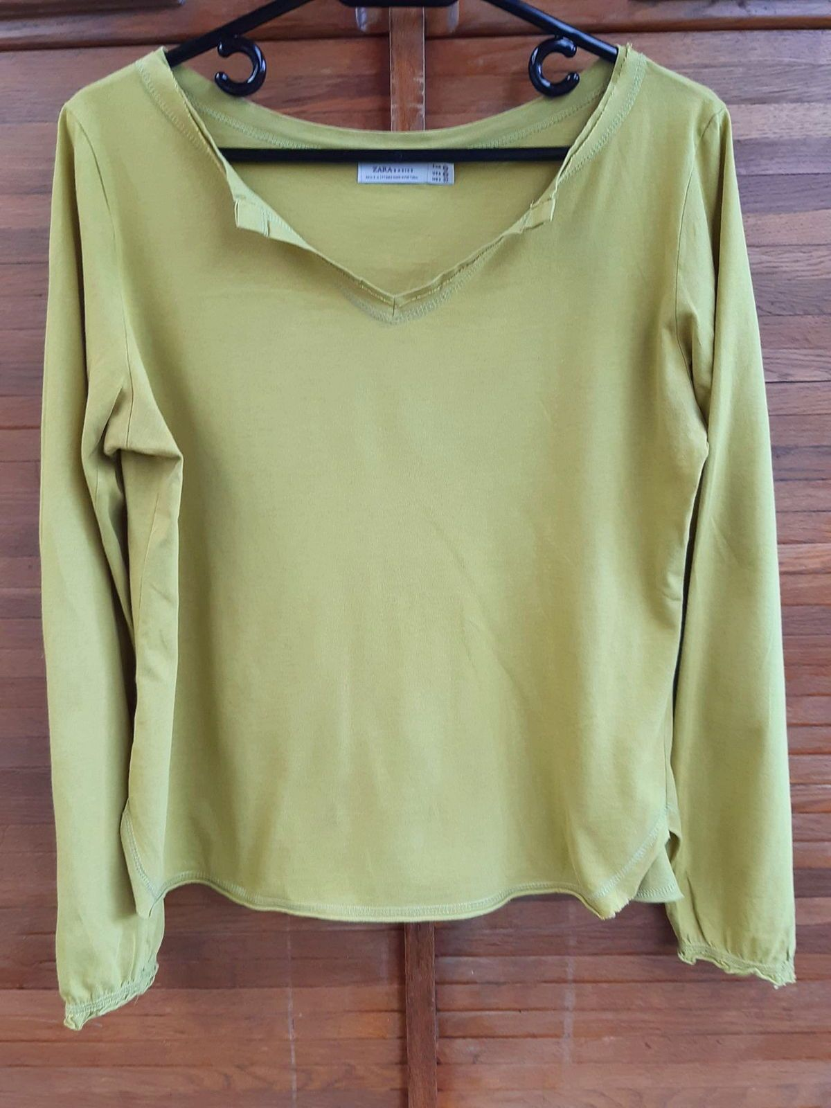 """Tee-shirt """"Zara"""" taille XL vert anis très bon état"""