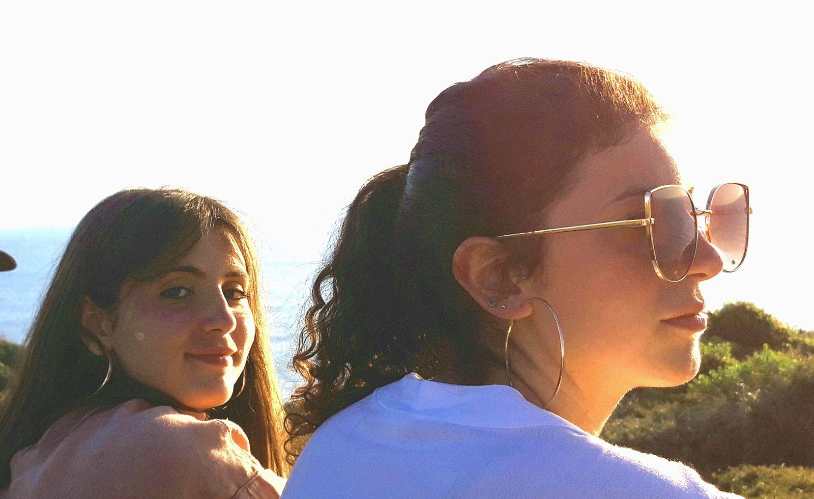 2sœurs (20anset 16ans) proposent Babysittings - Anglet (64)