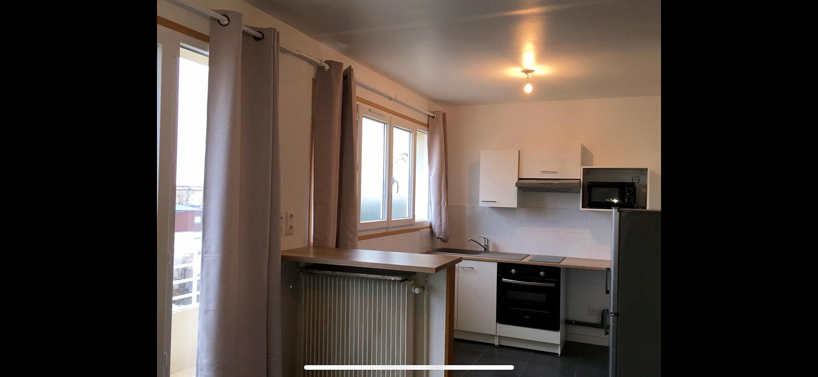Loue studio avec balcon à Montreuil (93) - 27m²