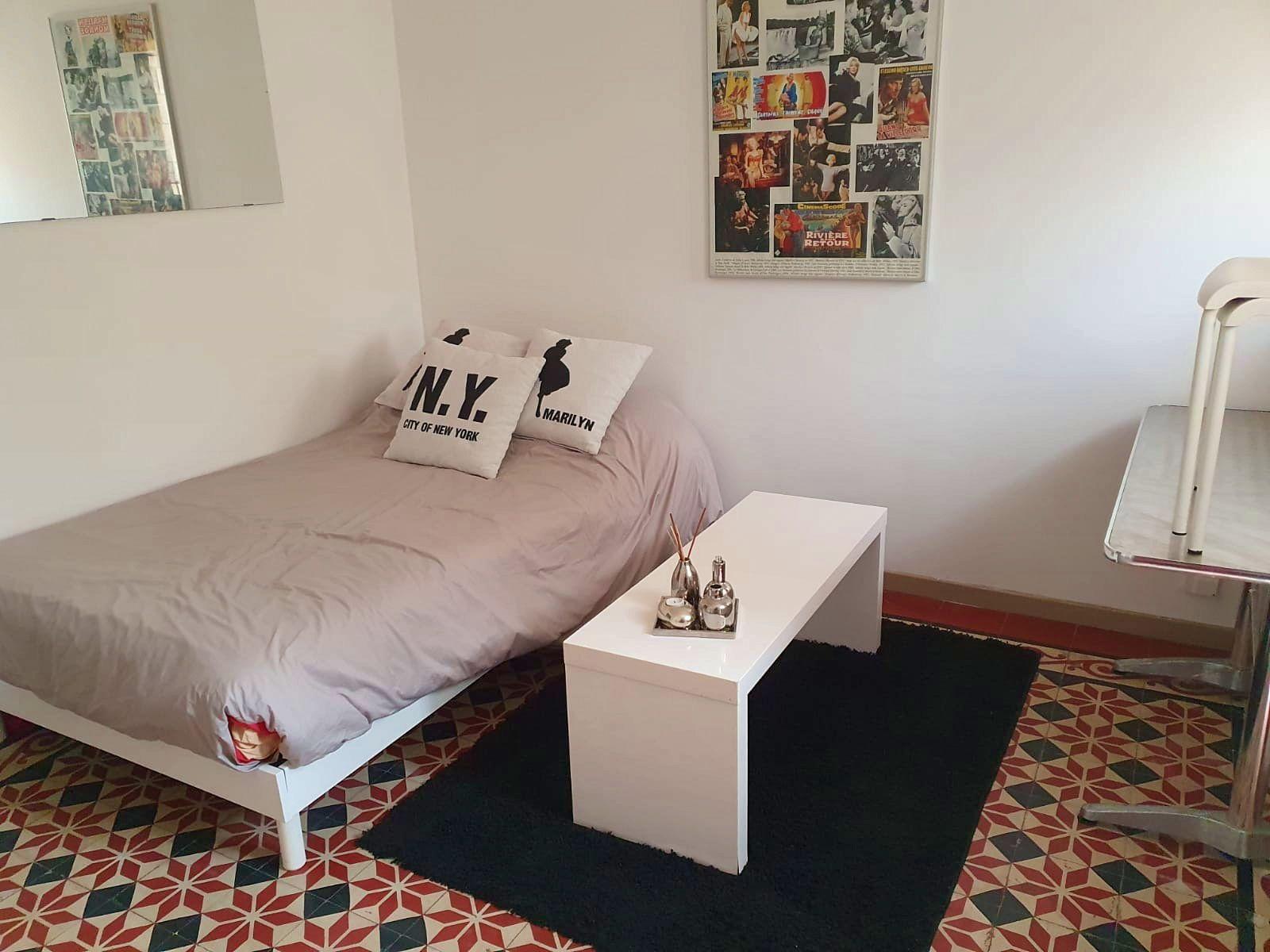 Loue un studio meublé et équipé centre de Montpellier (34)