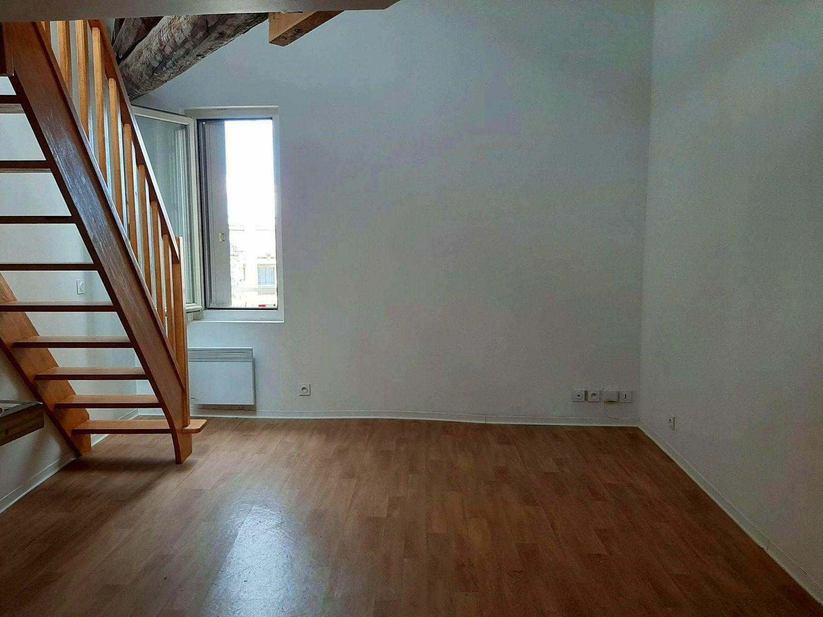 Loue Studio mezzanine 27m² à Montpellier St Denis - Clemenceau