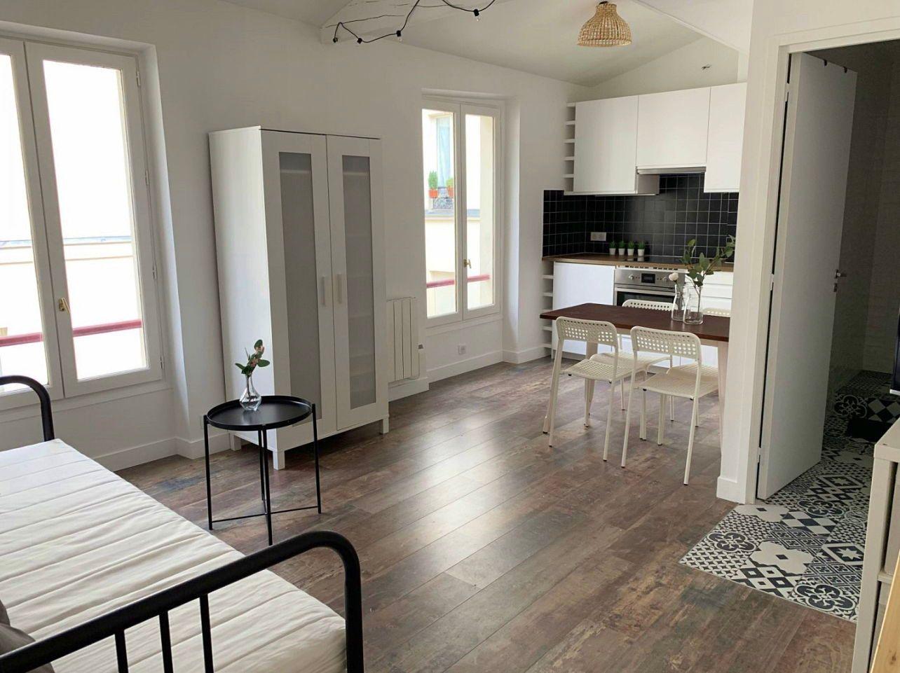 Loue studio - Paris 18ème - 1chambre, 25m²