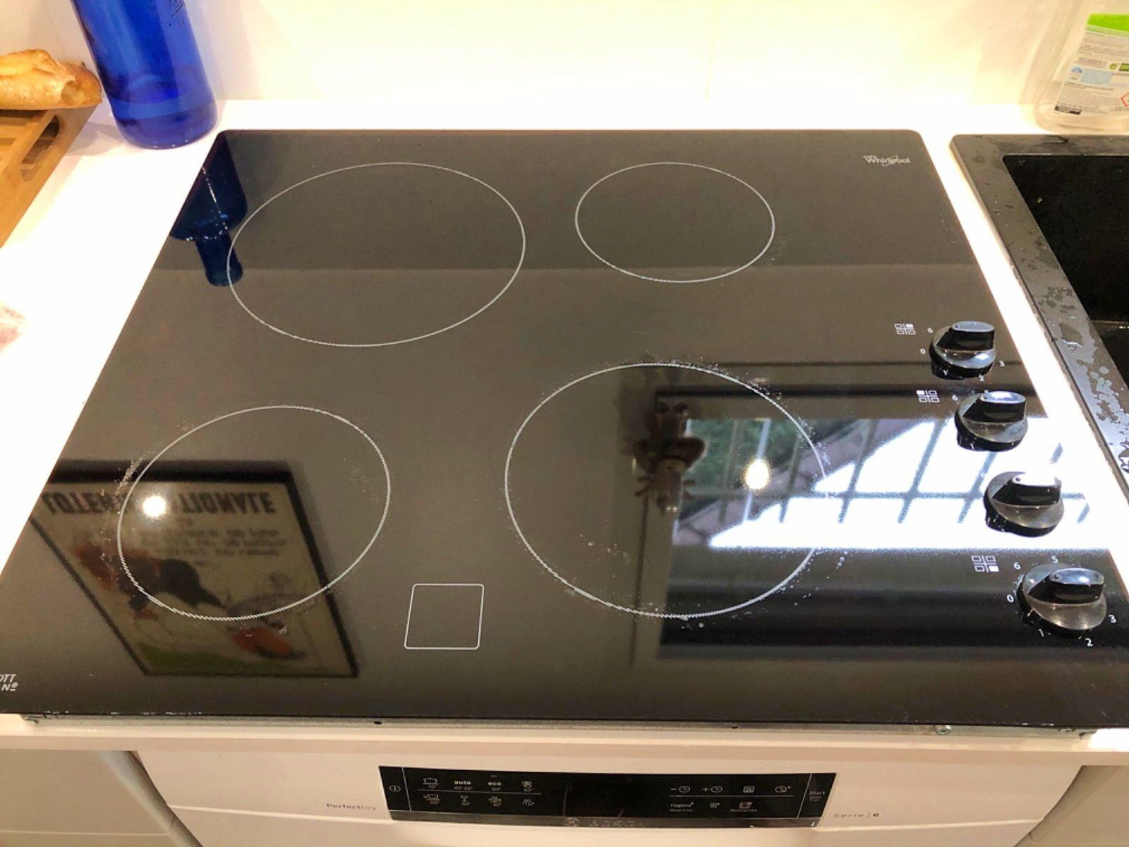 Table de cuisson vitrocéramique très bon etat