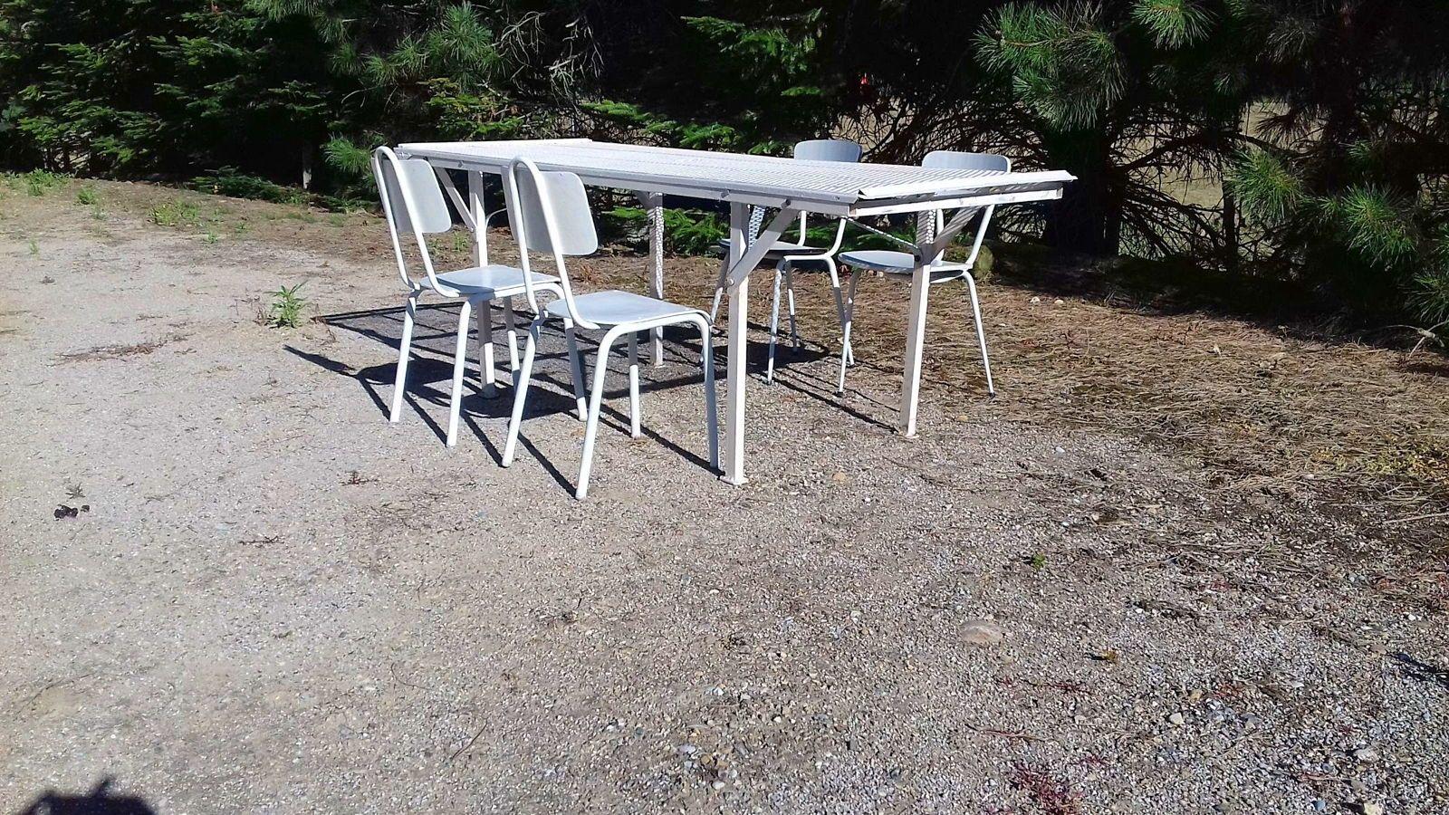 Table extérieur terrasse, démontable avec 4chaises