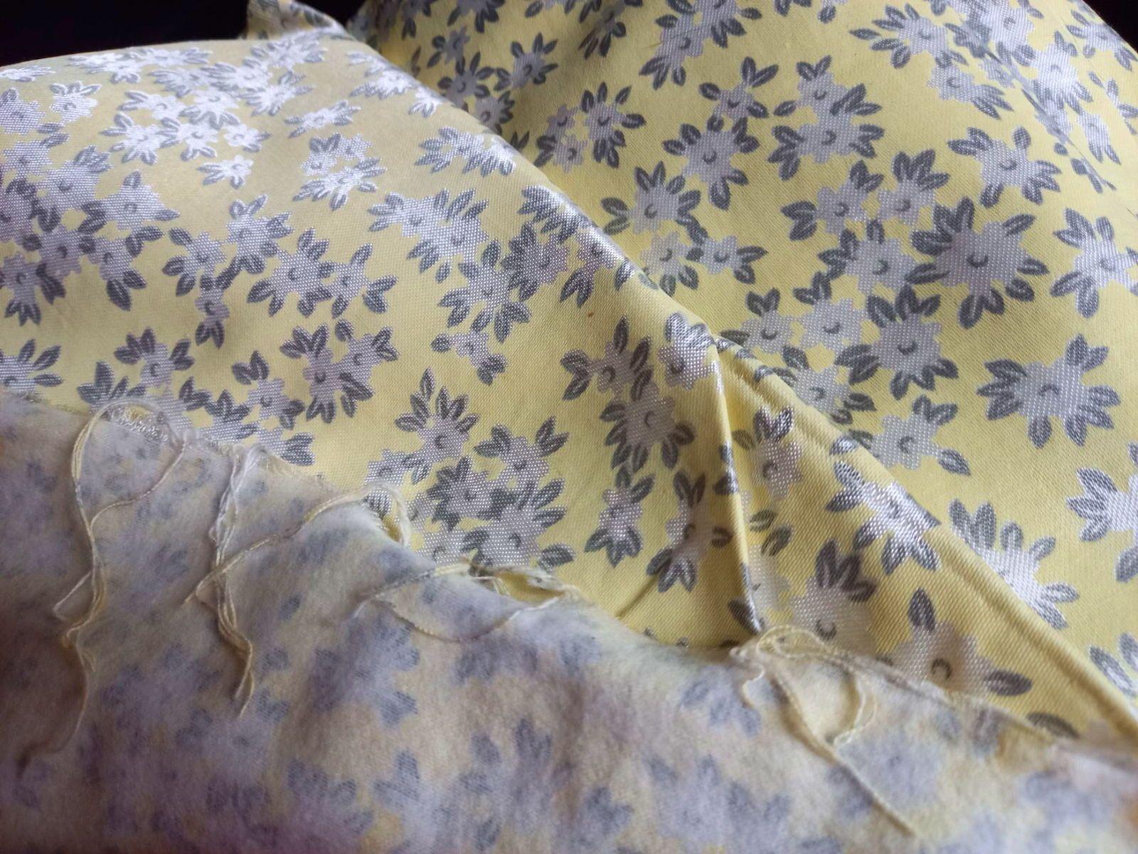 Tissu satin de soie moletonné ancien Neuf TBE Pyjama, doublure, robe