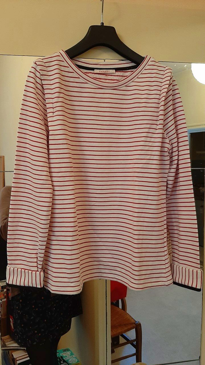 Pull - tricot rayé rouge et blanc - Taille M
