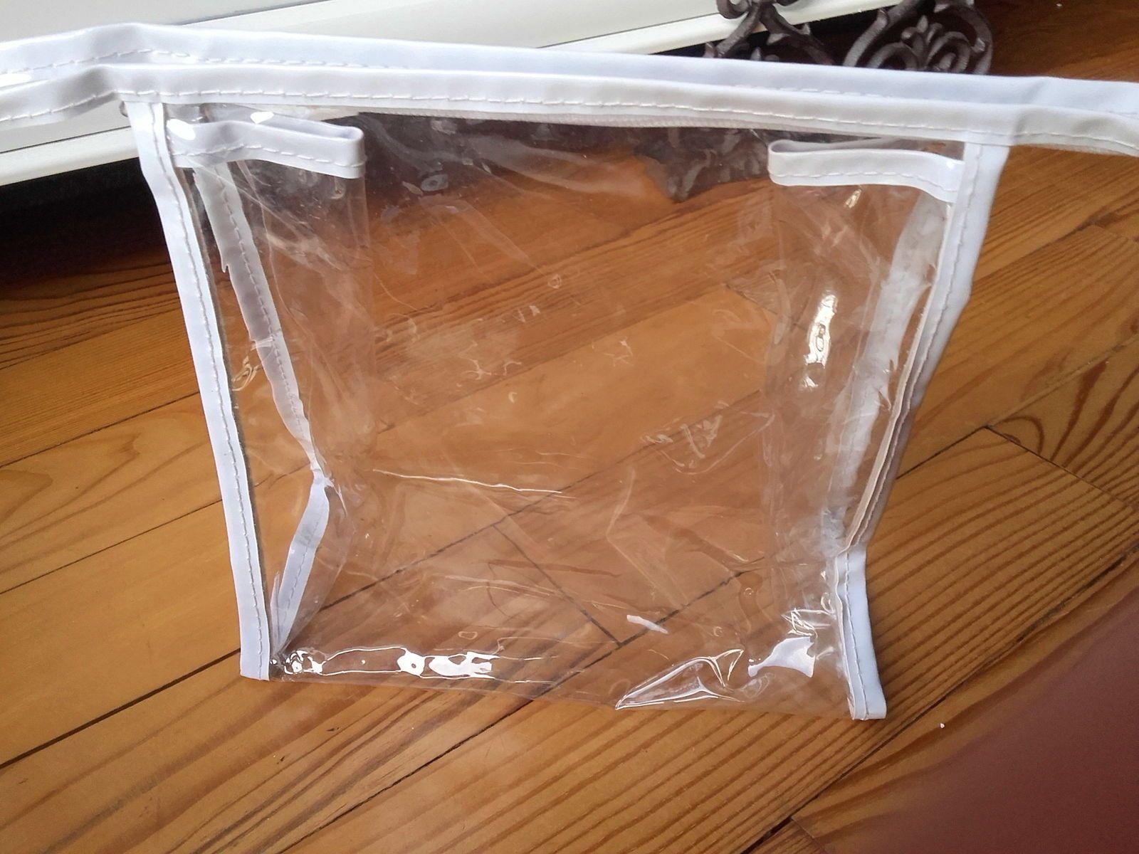 Trousse de toilette/voyage en plastique transparent