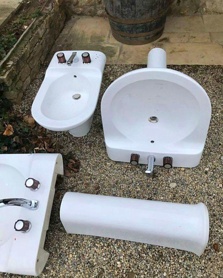 Vasque salle de bain et robinetterie