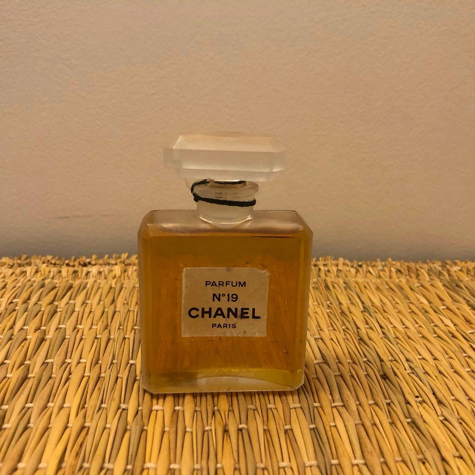 Vends ancien flacon Chanel n°19