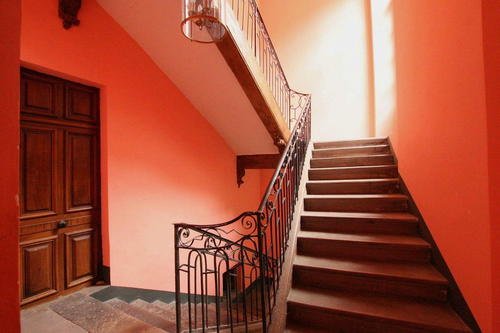 Vends appartement ancien 250m² et terrasse, Valence (26) centre
