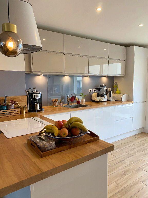 Vends Appartement Rueil Malmaison refait à neuf de 108m² avec 4ch