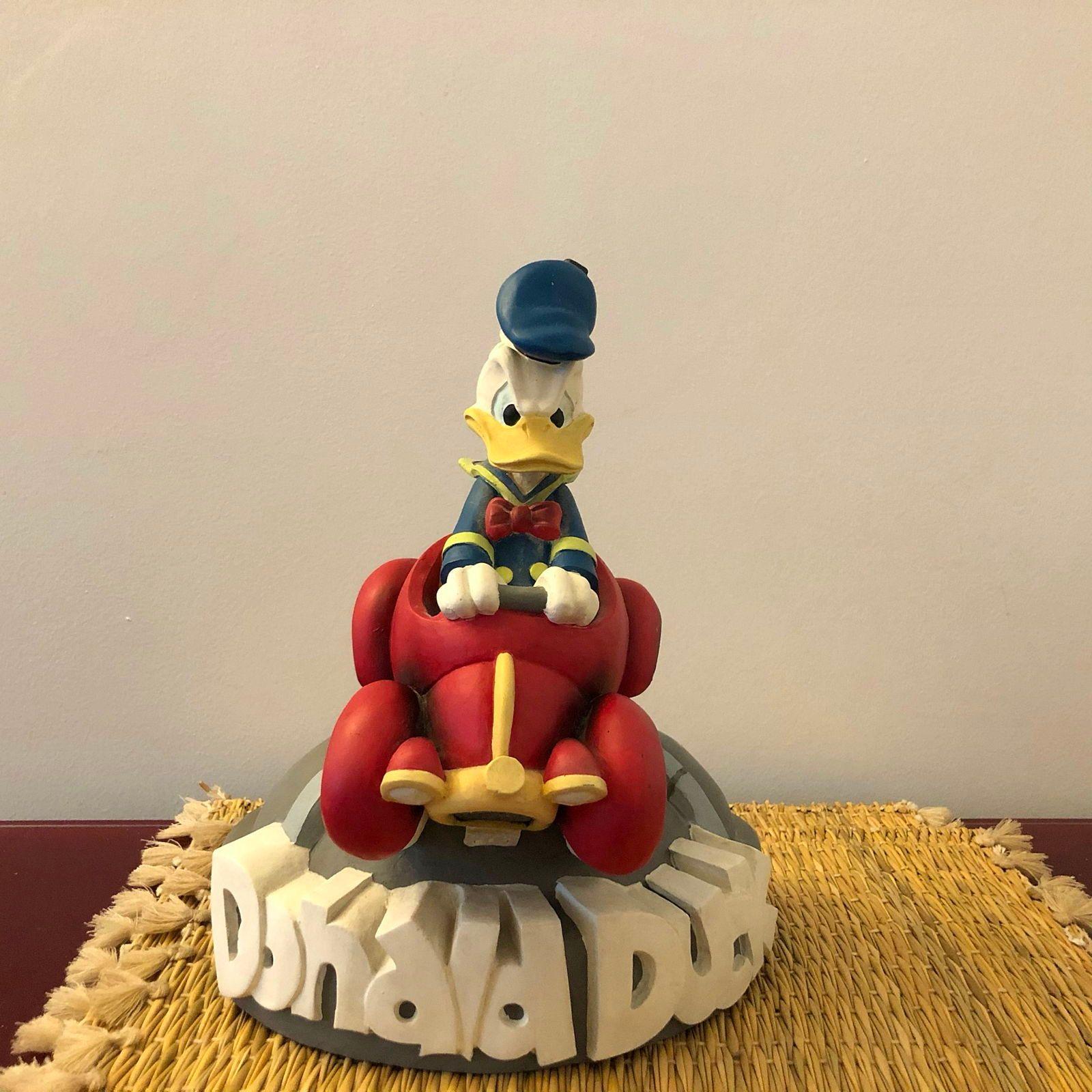 Vends très belle statuette en plâtre Donald Duck