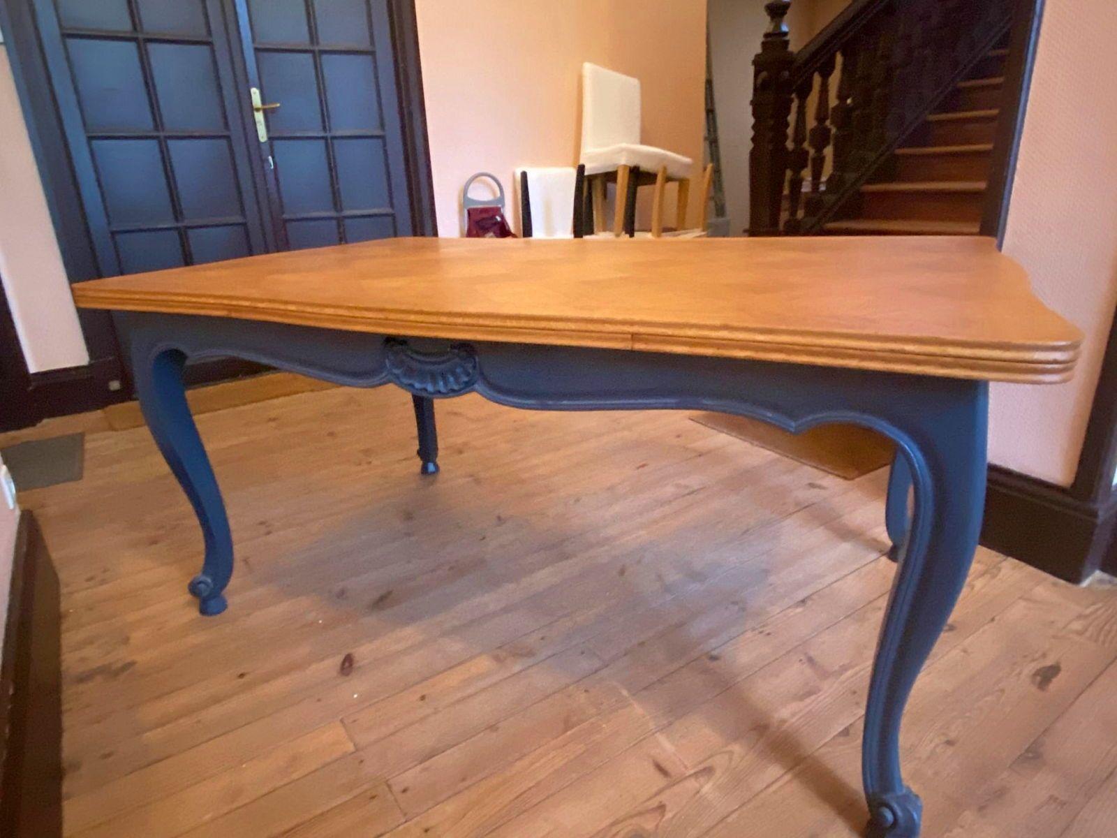 Vends belle table ancienne rénovée 8-10personnes