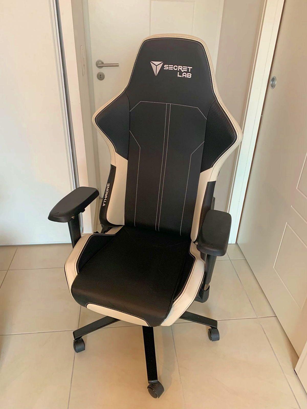"""Vends une chaise gamer TBE de la marque Secret Lab, modèle """"Omega"""""""
