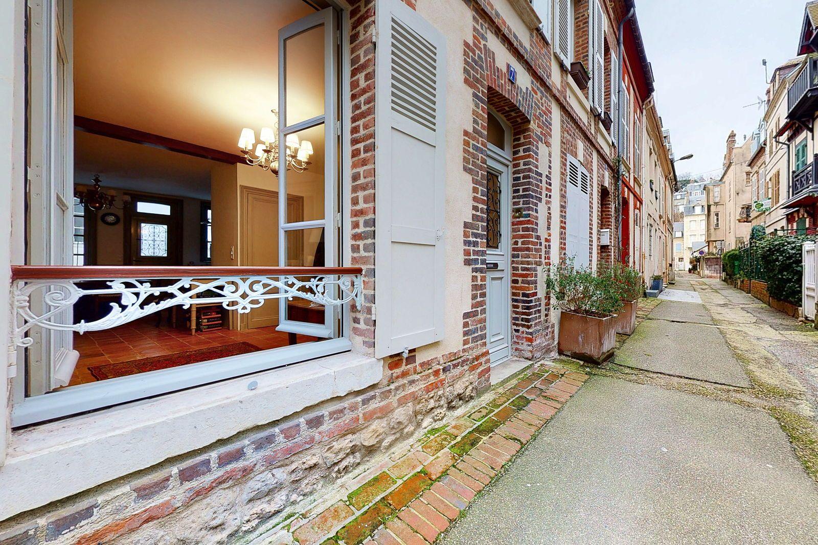 Vends charmante maison de ville 5chambres 150m² à Trouville sur Mer (14)