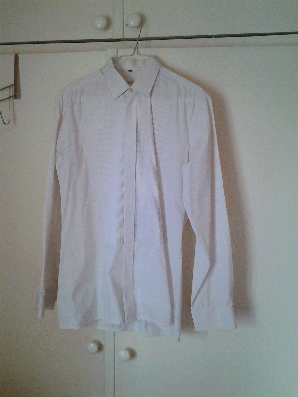 Vends chemise blanche de soirée taille 39bon état