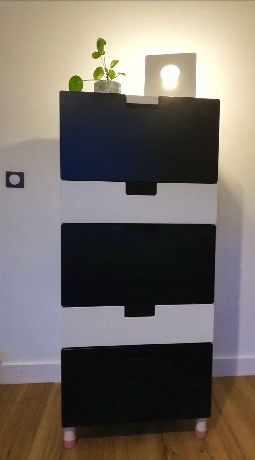 Vends commode haute noire et blanche
