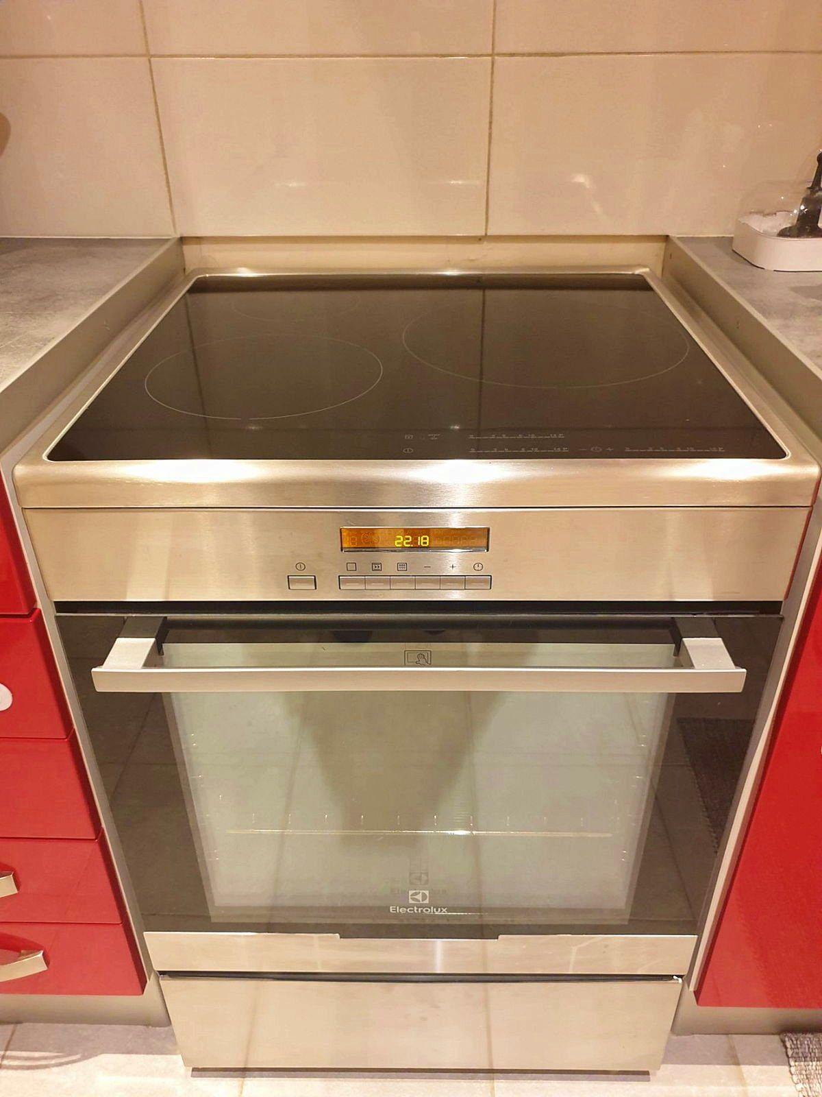 Vends cuisinière Electrolux excellent état