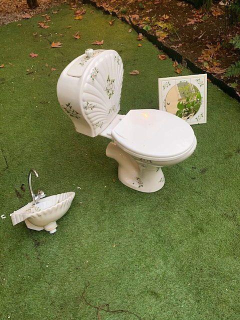 Vends ensemble WC, vasque et miroir vintage Porcelaine de Paris