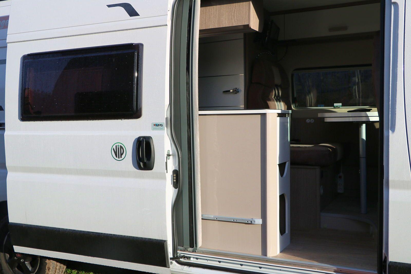 Vends fourgon camping car année 2020
