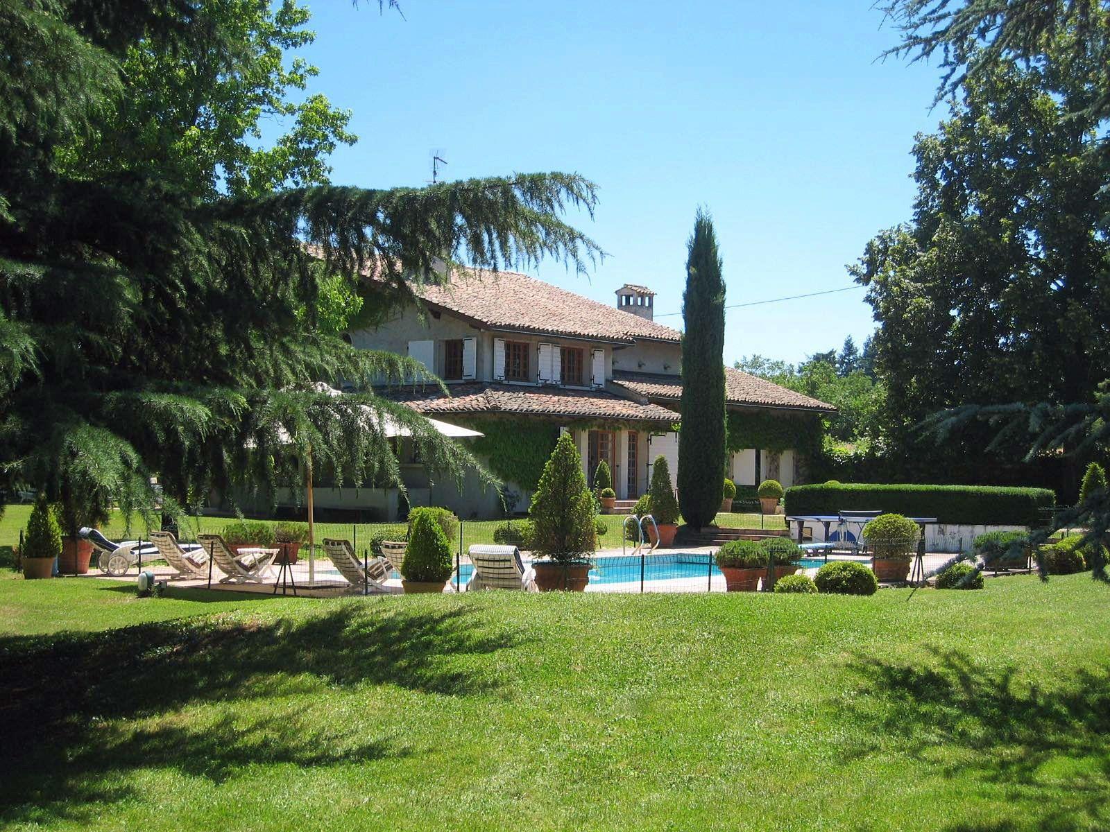 Vends grande et belle maison familiale à 30minutes de Lyon - 7chambres, 320m²
