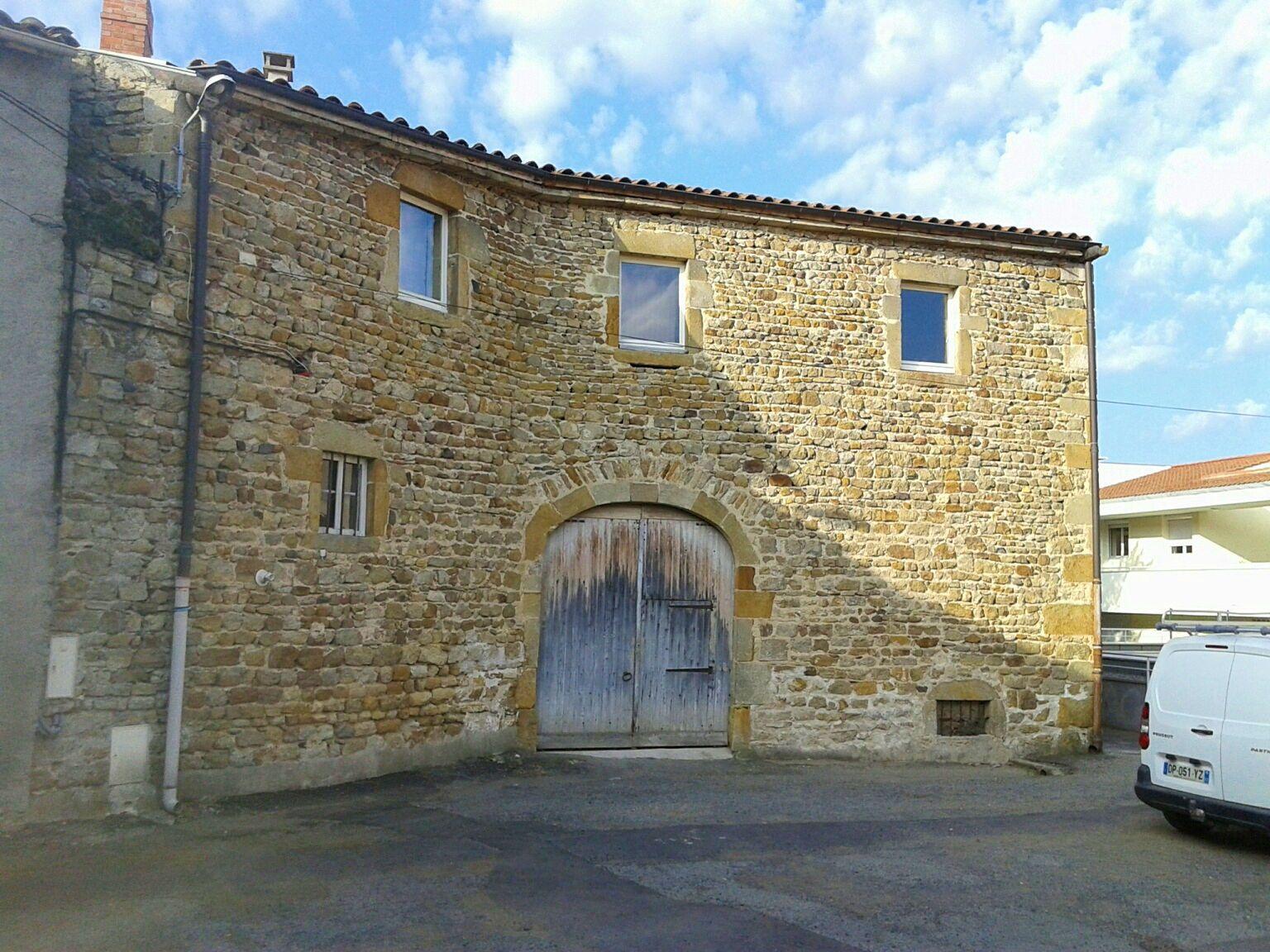 Vends Grande Maison ancienne en Auvergne