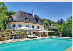 Vends grande maison 450m² avec piscine à Nandy (77) sur bord de Seine