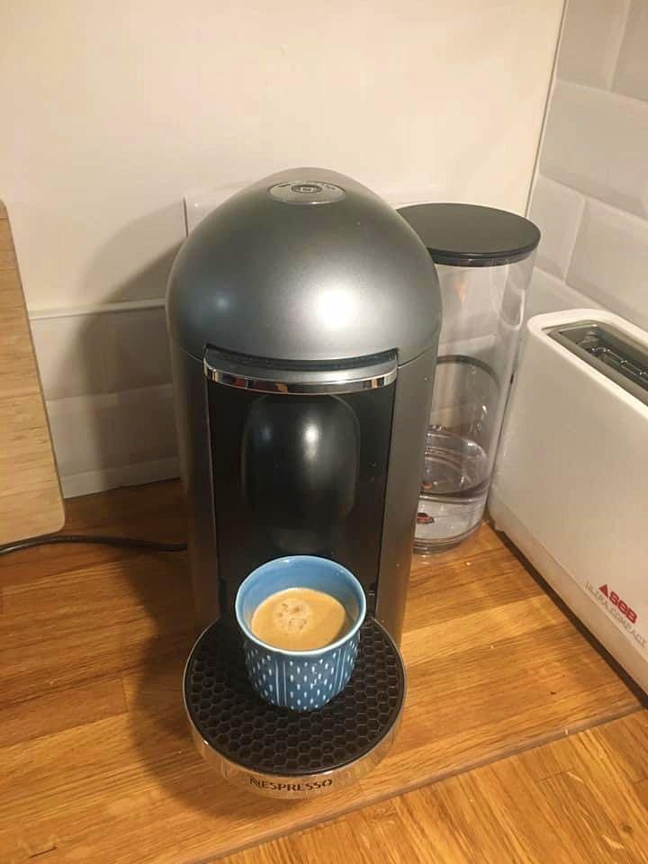 Vends machine Nespresso Vertuo
