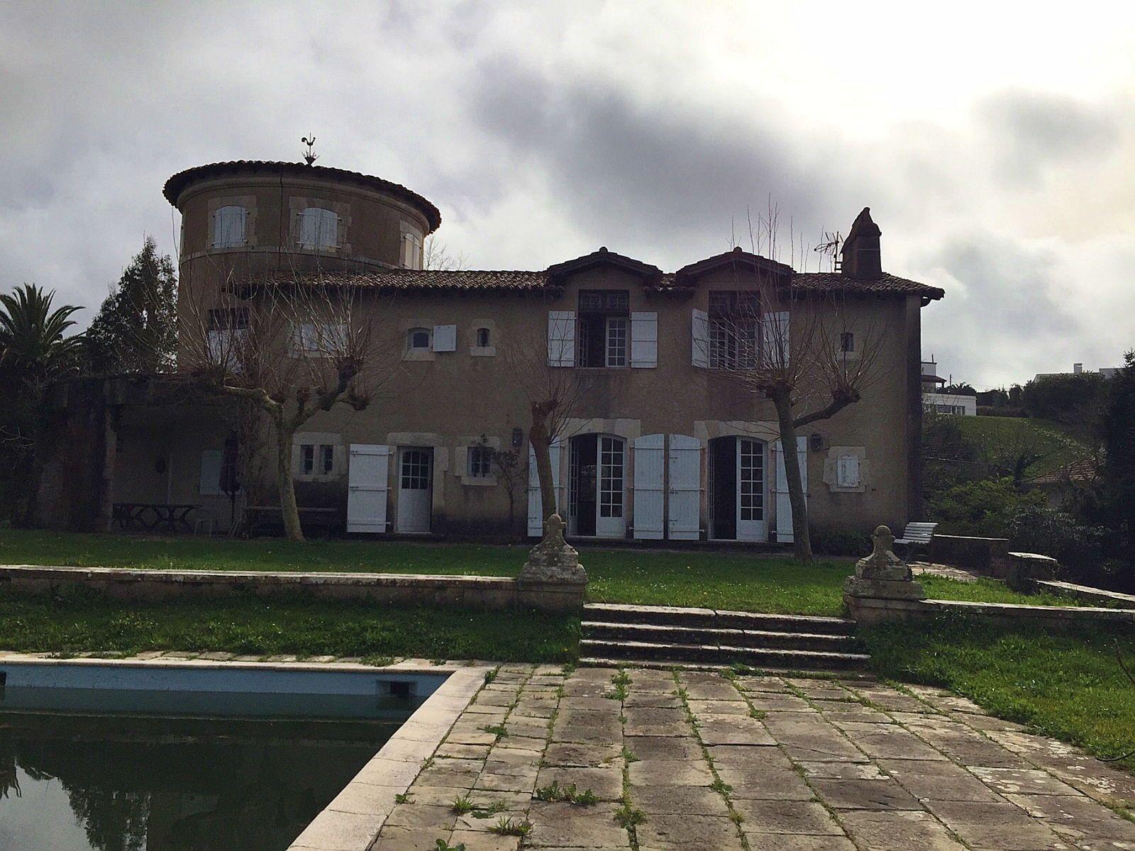 Vends magnifique maison atypique de 280m² 7ch St Jean De Luz (64)