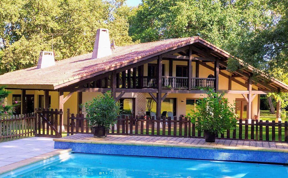 Vends magnifique maison familiale 8p 6chambres 340m² terrain 12500m²
