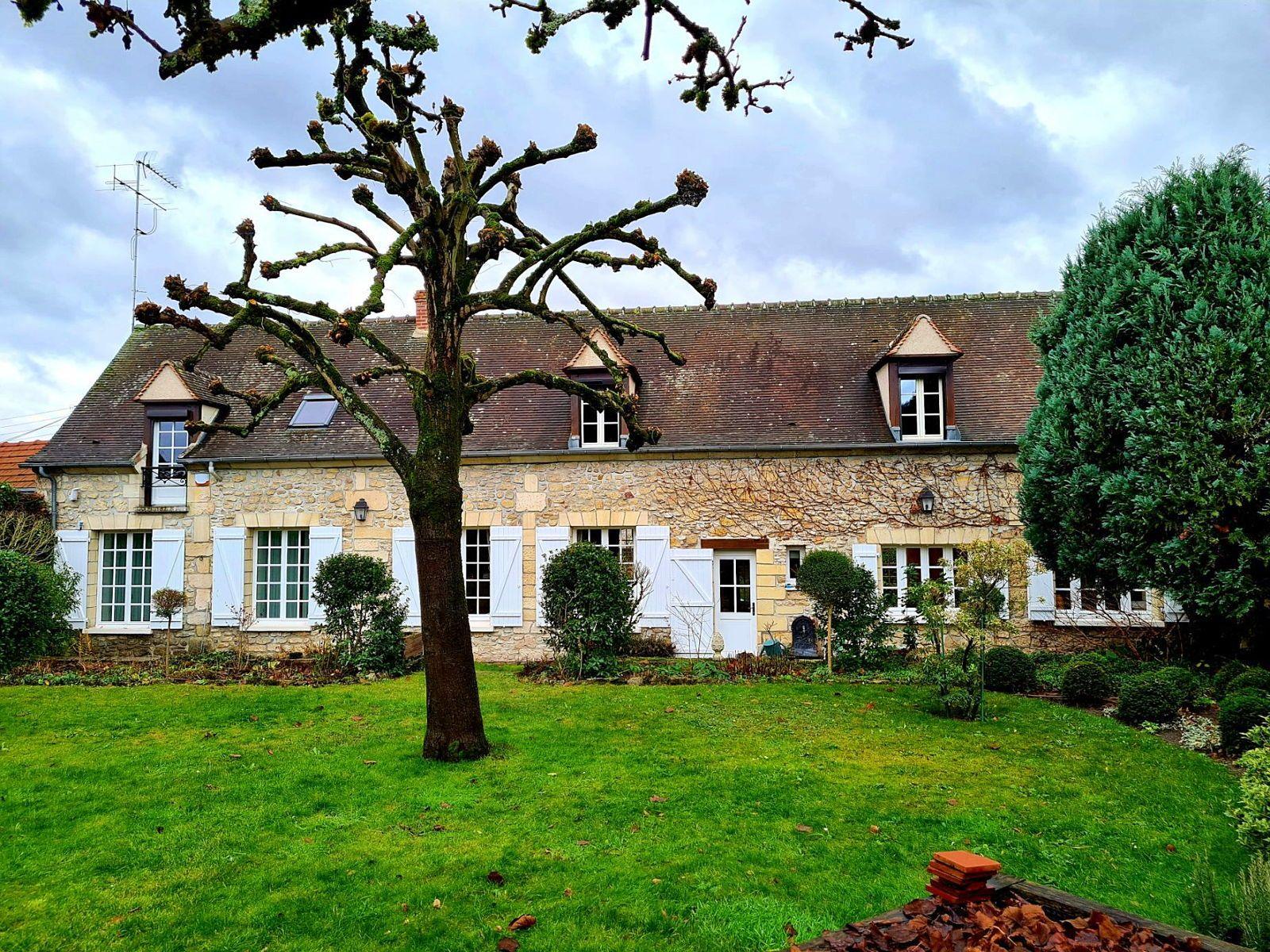 Vends maison ancienne 320m² entre Senlis et Chantilly - 5chambres