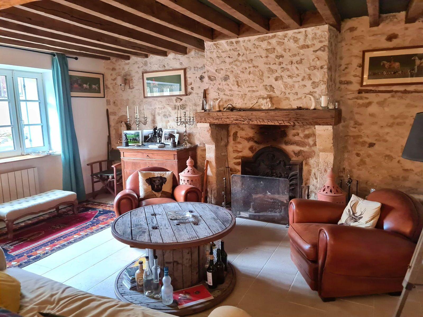 Vends achat maison ancienne de 160m² avec son studio - 4chambres - Senlis (60)