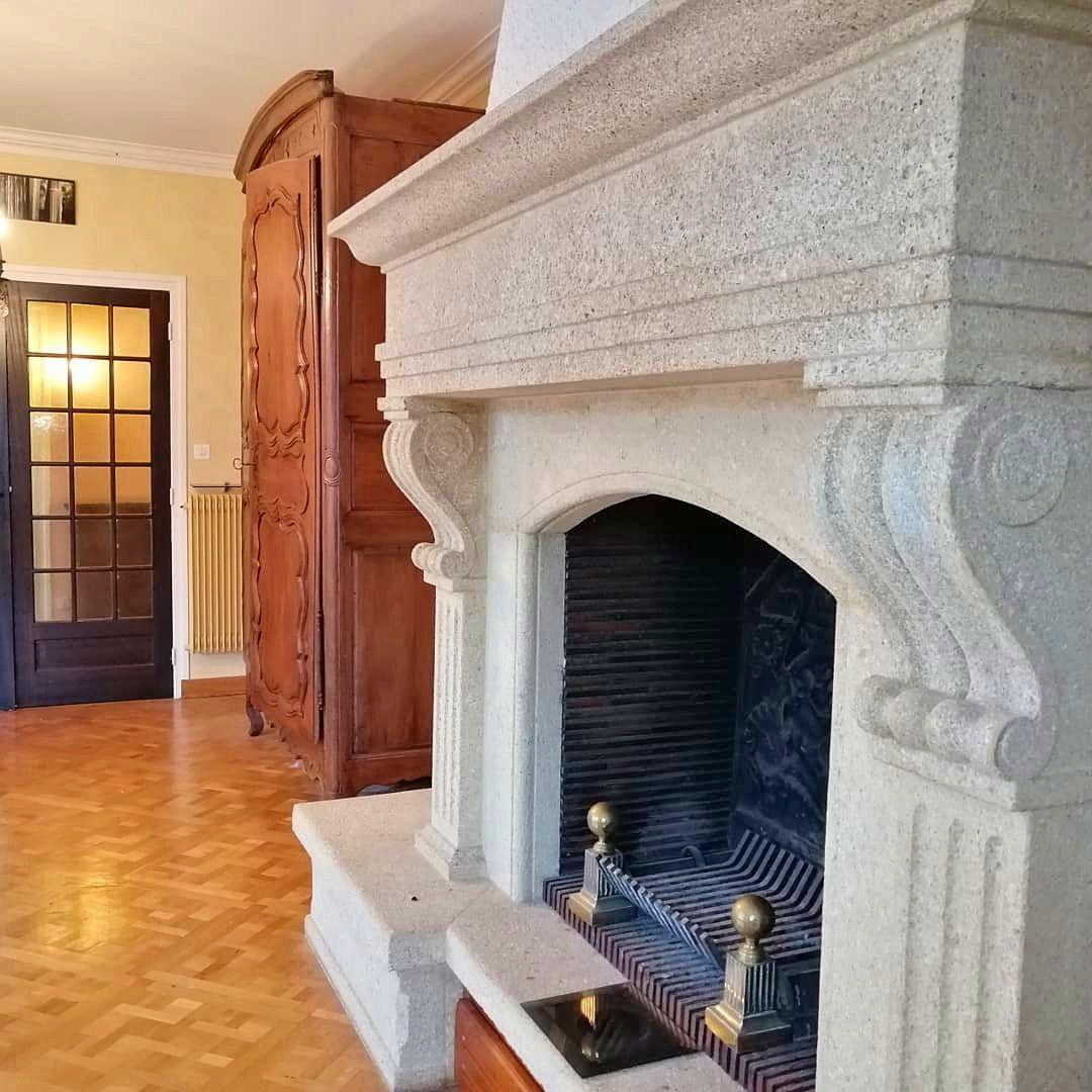 Vends Maison de caractère 175m², 4chambres à Nohanent (63830)