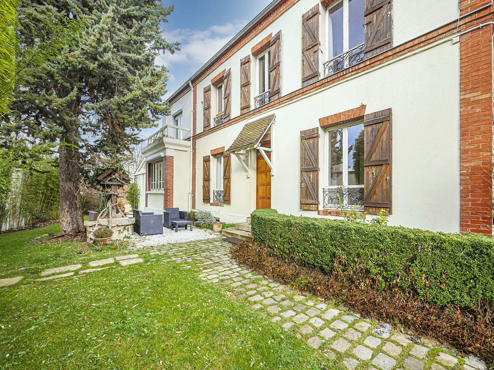 Vends maison 19ème centre ville Rueil Malmaison (92) - 170m² - 4ch