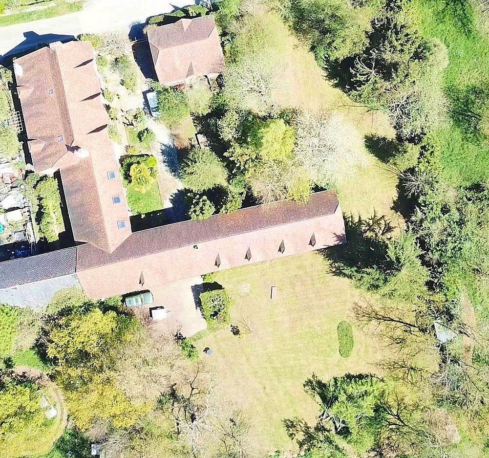Vends maison 6chambres 432m² et ses dépendances à Momy (64)