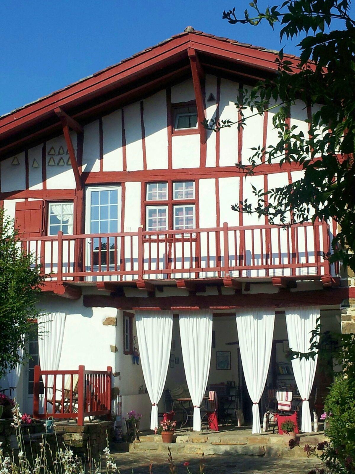 Vends maison de charactère au Pays Basque (64) La Bastide-Clairence, 6chambres 380m²