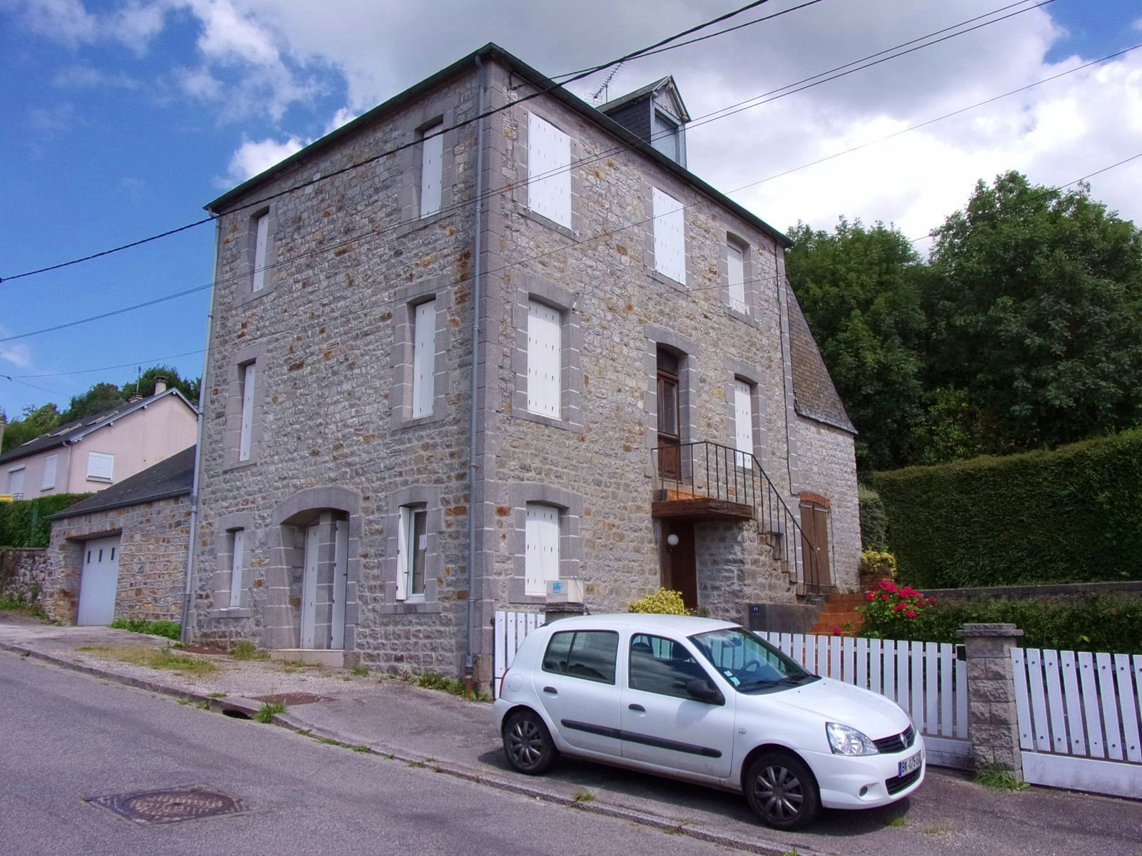 Vends Maison familiale Mortain-Bocage (50) - 5chambres 141m²