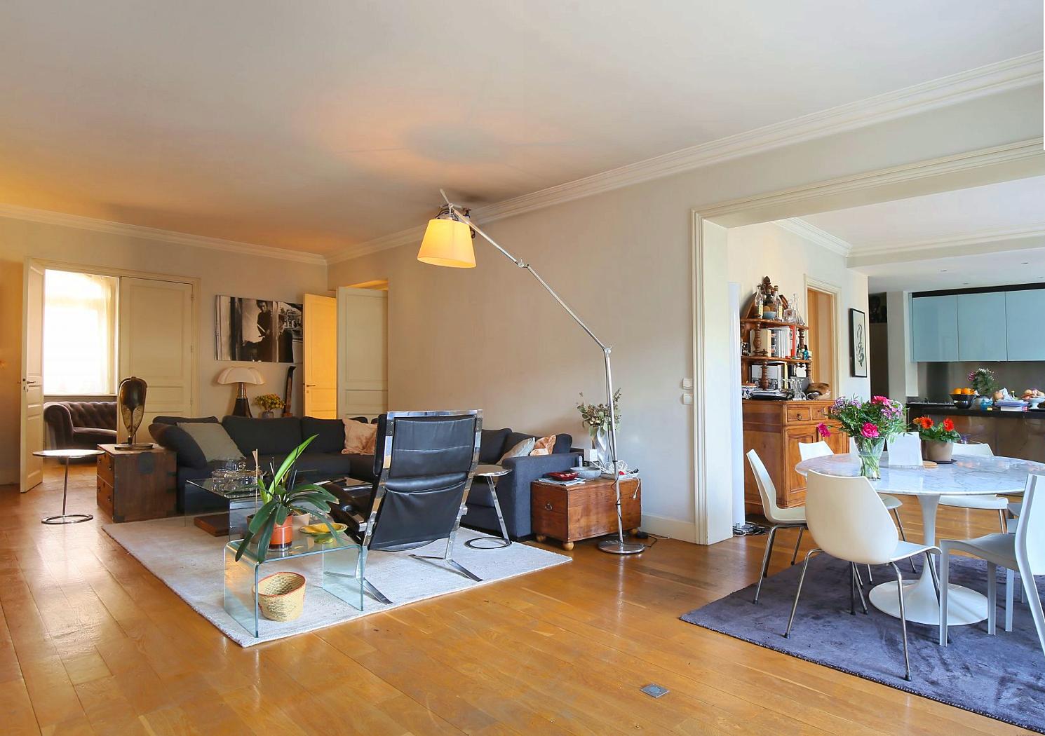 Vends maison 300m² avec jardin dans le quartier du Busca - 6chambres