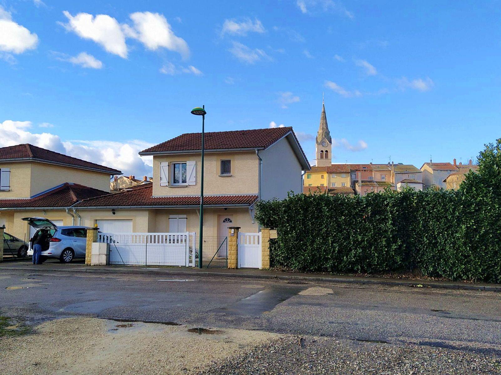 Vends maison 101m² 4ch avec jardin, à 18' de train de Lyon - La Verpillière (38)