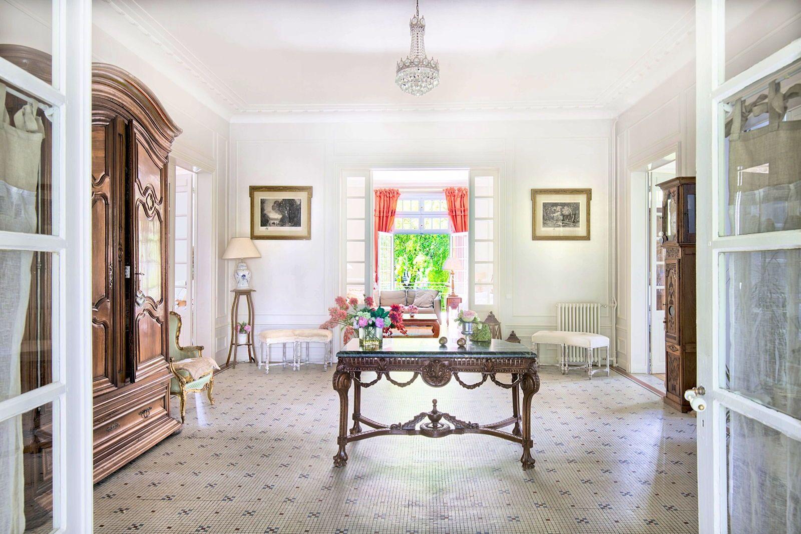 Vends Maison de Maitre, Senlis (Oise) -363m²-5chambres et dependance