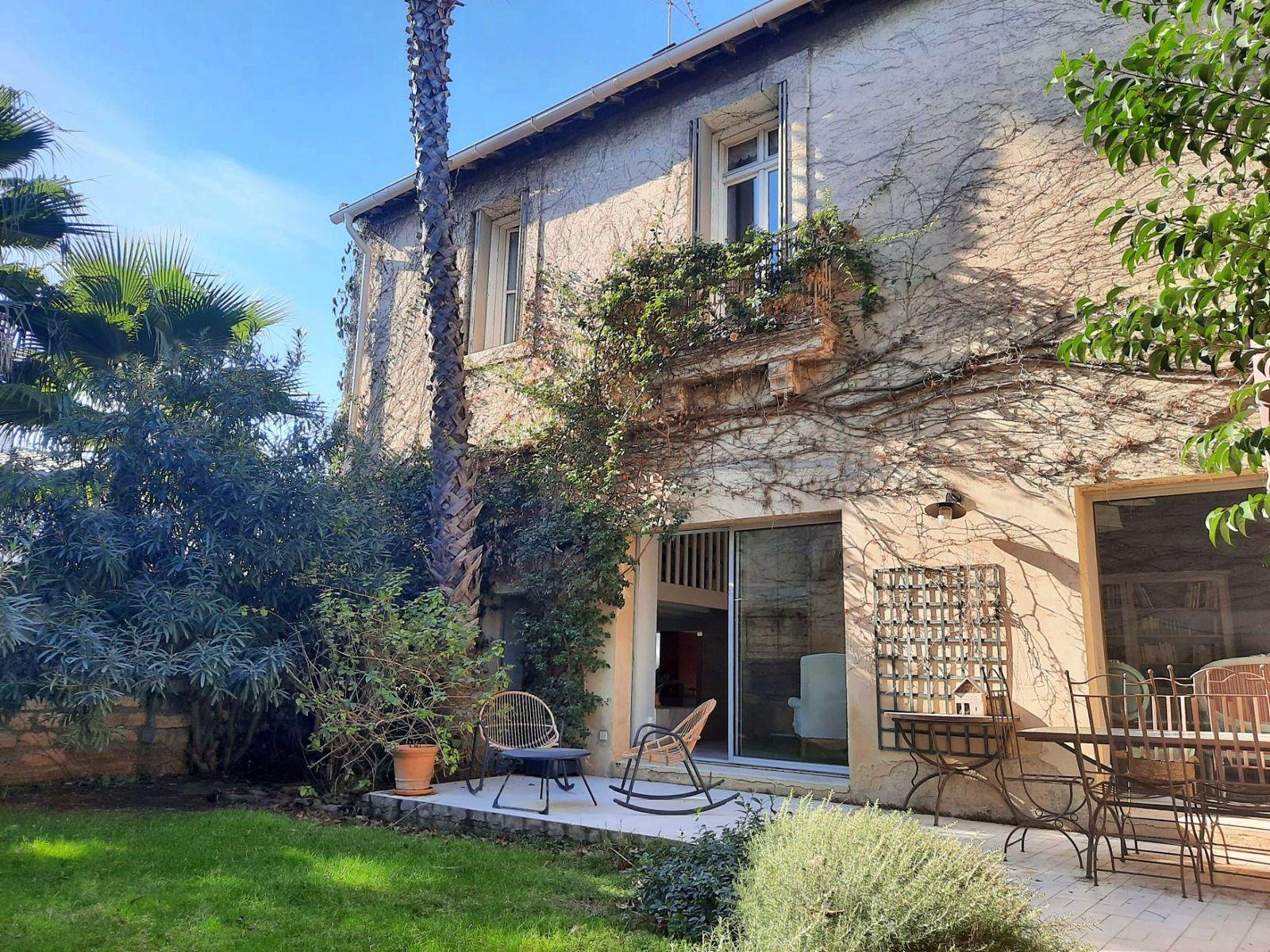 Vends Maison en pierre de 210m² - 6chambres - Montpellier (34)