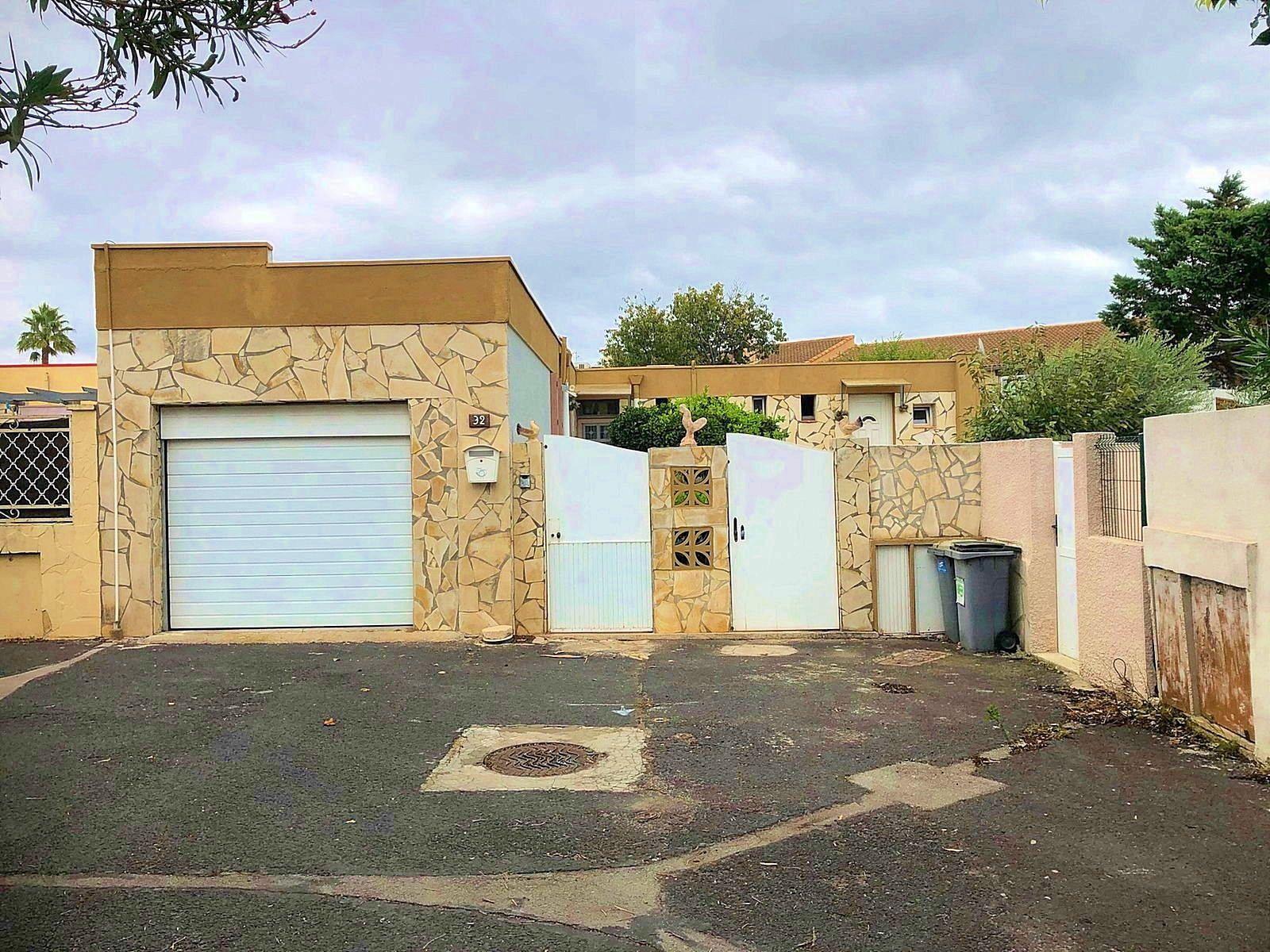 Vends maison en plein pied en viager à Frontignan - 110m²