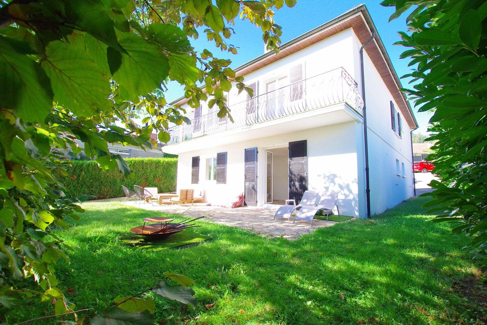 Vends maison rénovée 290m², 4/6chambres, terrasse jardin arboré