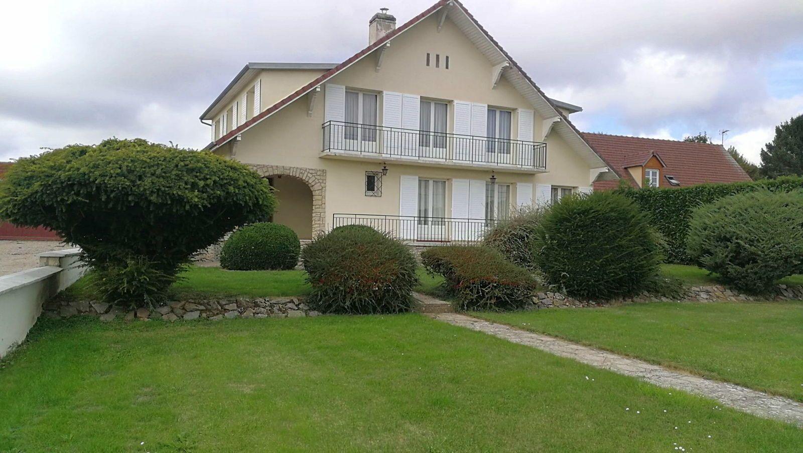 Vends maison de 200m², 4chambres - Omécourt (60) à 1h30de Paris
