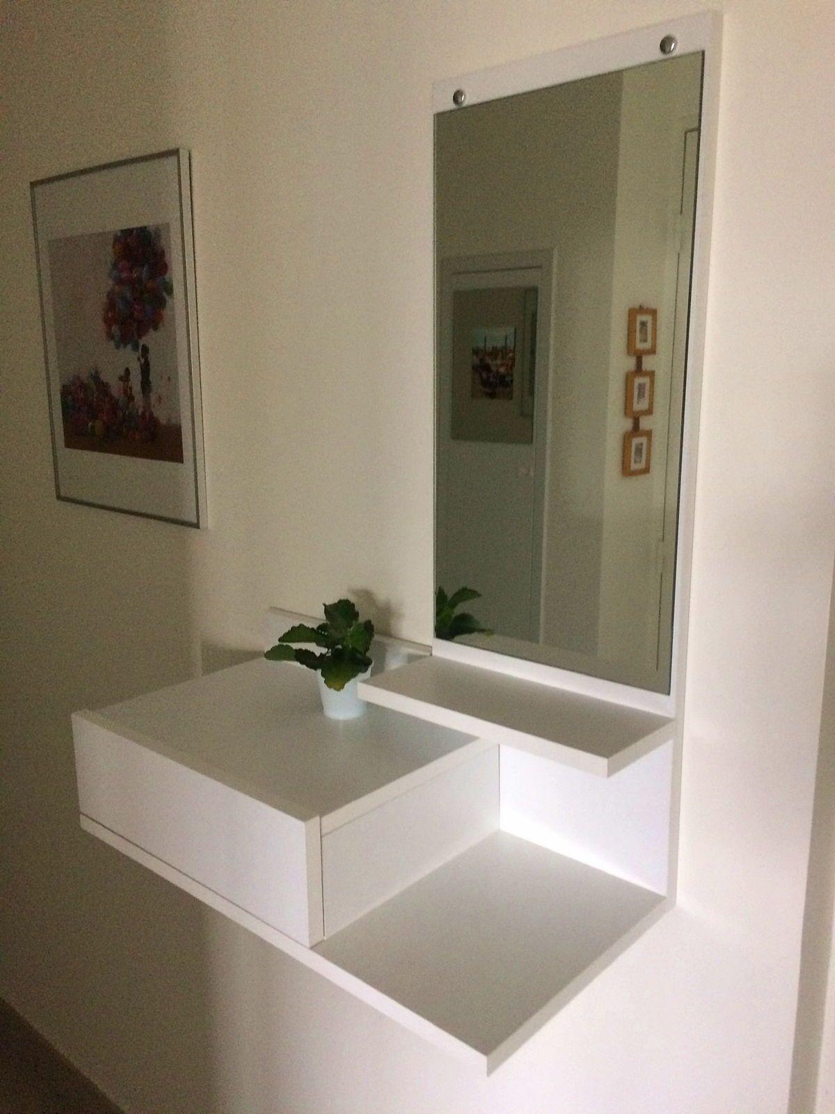 Vends petit meuble d'entrée blanc avec tiroir