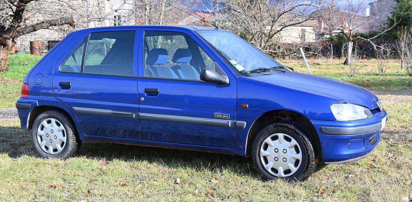 Vends PEUGEOT 106essence - 109000km 1997