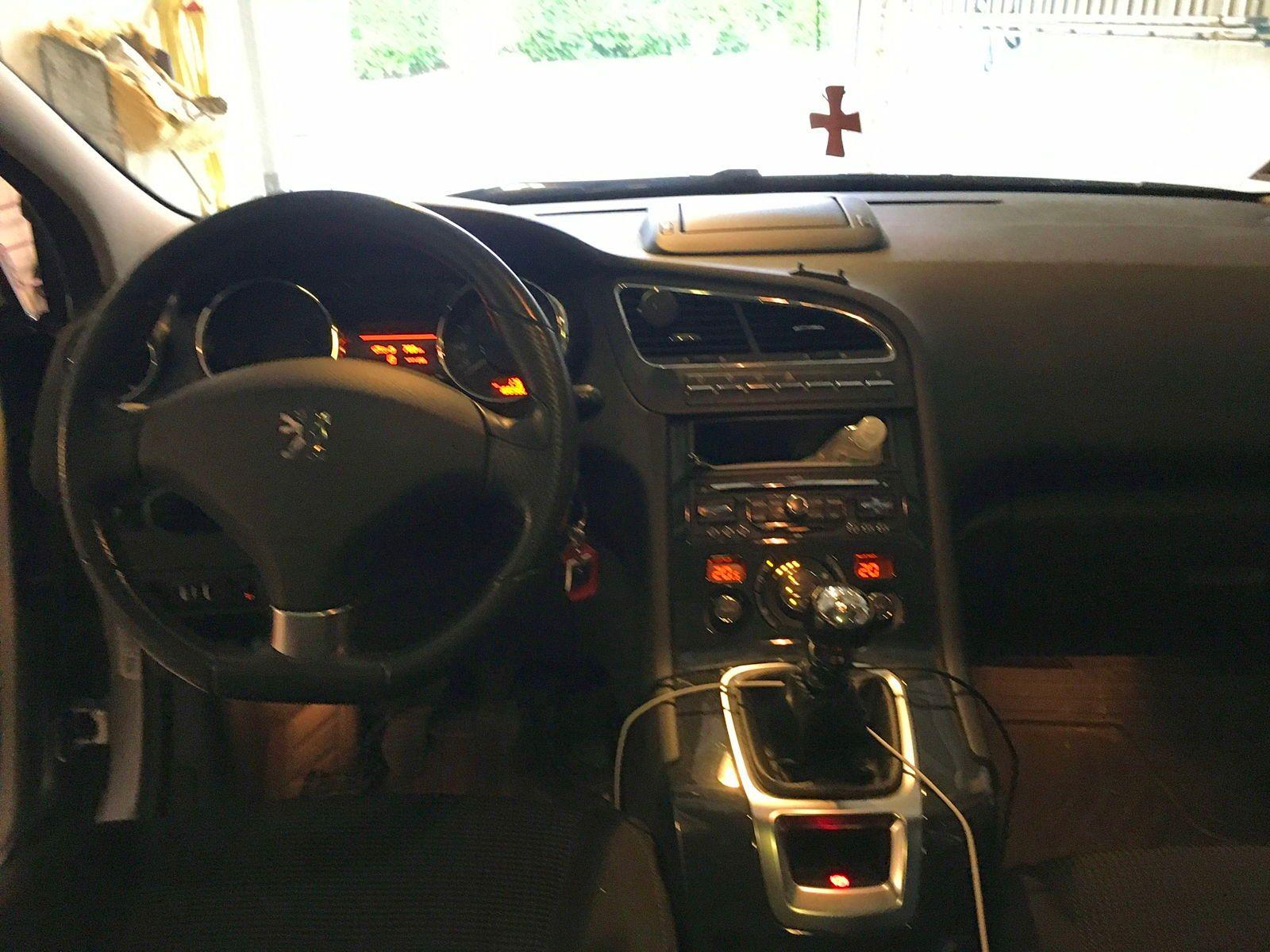 Vends Peugeot 5008premium diesel, 150ch, 7places 170000km, 2011