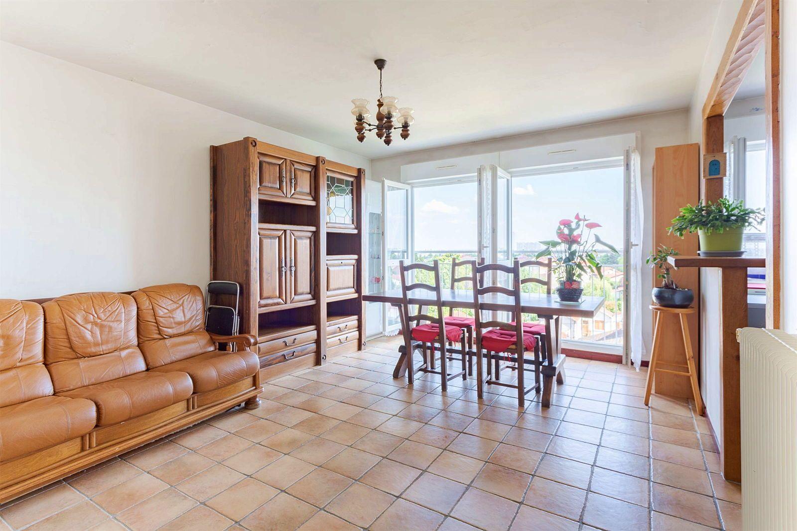 Vends appartement 4pièces + parking à Montreuil - 70m²