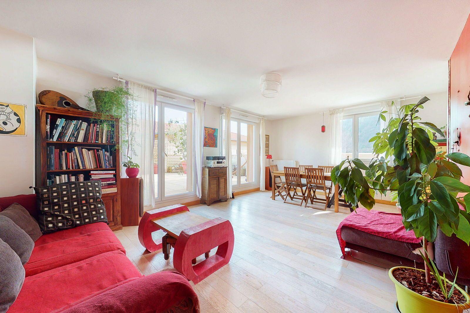 Vends 4/5pièces de 85m² avec terrasse végétalisée de 78m², Fontaine (38)